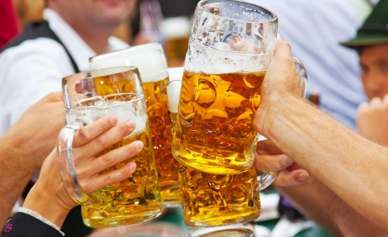 Oktoberfest in Nederland – waarom zou de gemeente alcoholmisbruik faciliteren?